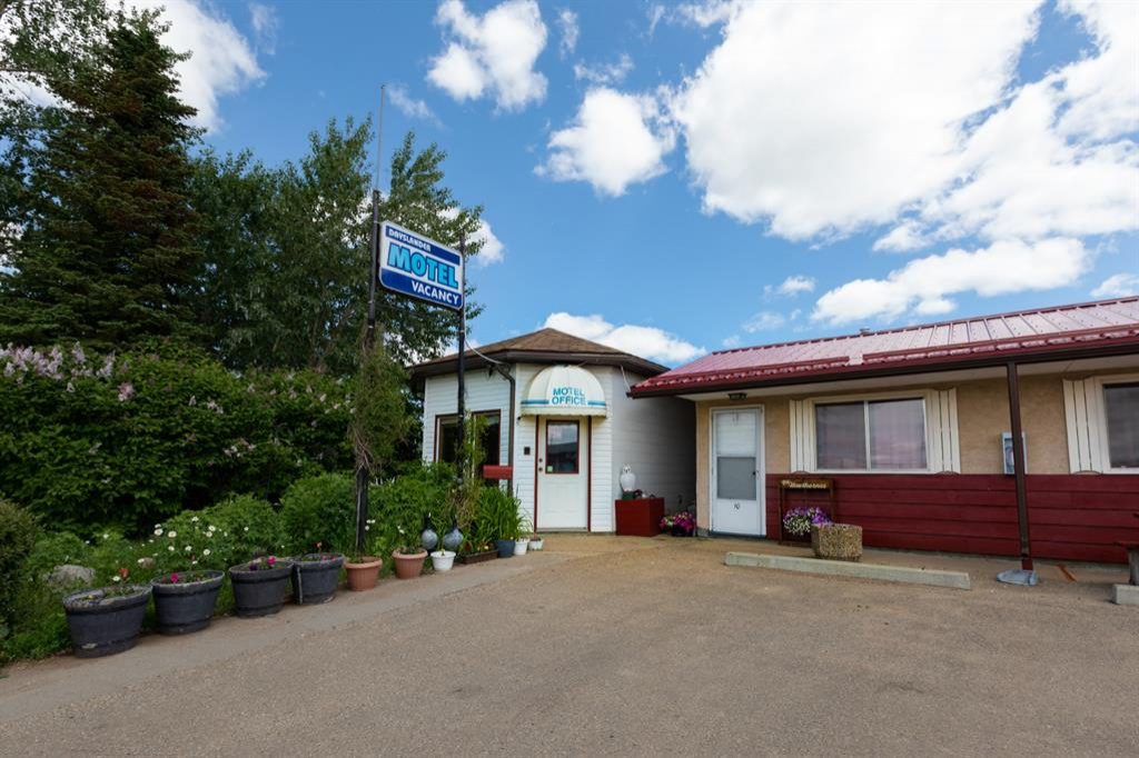 5025 49 Street, Daysland, Alberta T0B 1A0, ,Commercial,For Sale,49,A1006435